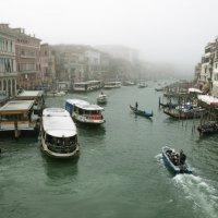 Туманным утром в Венеции :: liudmila drake