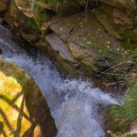 Маленький водопад :: Татьяна