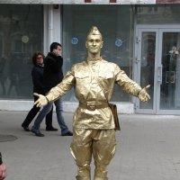 Золотой солдат. :: Павел Н