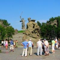 РОДИНА МАТЬ И СЫНЫ :: Анатолий Восточный