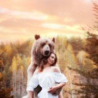 Девушка и мишка :: Вилена Романова