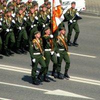 На параде Победы. :: Владимир Драгунский