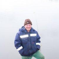 Заядлый рыбак... :: Александр Широнин