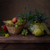 Весенние цветы с фруктами :: Вера