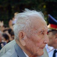 Взгляд в 1940-е... :: Асылбек Айманов