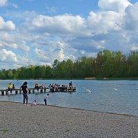 Майский выходной на озере... :: Galina Dzubina