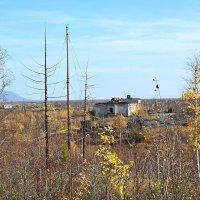 Бывшая воинская часть возле посёлка Валёк :: Сергей Карцев