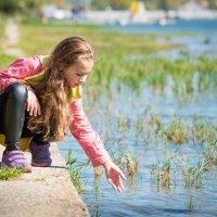 Прогулка у озера :: Олеся Загорулько