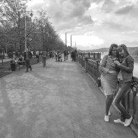 На набережной :: Сергей Винтовкин