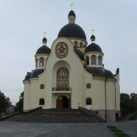 Греко - католический   храм   в   Коломые :: Андрей  Васильевич Коляскин