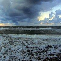 Вечернее море :: Сергей Карачин
