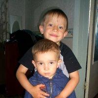 Люблю Младшего Брата... :: Дмитрий Петренко