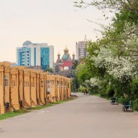 Прогулка по весенней набережной г. Павлодара :: TATYANA PODYMA