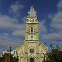 Бывший    римо - католический  храм   в   Ивано - Франковске :: Андрей  Васильевич Коляскин