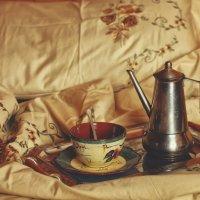 Morning coffee :: Larissa