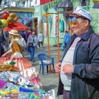 Продавец одесских сувениров. :: Вахтанг Хантадзе