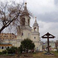 Колоколня и Храм в Старых Садах :: Валентина. .