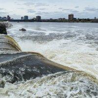 Вот так р.Ридо (здесь один из рукавов) впадает в р.Оттава (апрель, окрестности г.Оттава, Канада) :: Юрий Поляков