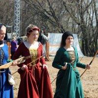 Средневековые  дамы умели  себя защитить ! :: Виталий Селиванов
