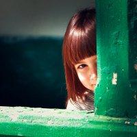 Девочка в весеннем парке :: Каролина Камынина