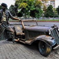 Памятник Юрию Никулину на Цветном бульваре :: Анатолий Колосов