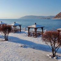 Смотровая площадка на берегу реки :: Анатолий Иргл