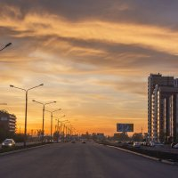 Городской закат. :: юрий Амосов