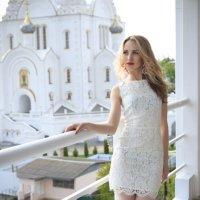 В платье белом... :: Любовь Дашевская