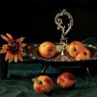 Старинная  ваза... :: Валерия  Полещикова