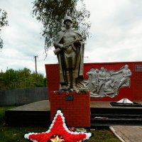 Памятник солдату,в с.Дунайка,Белгородской области. :: Сергей Морозов