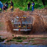 Джипы грязи не боятся :: santamoroz