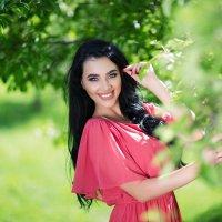 Цветущий сад... :: Наталья Осинская
