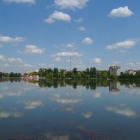 Городское   озеро   Ивано - Франковска :: Андрей  Васильевич Коляскин