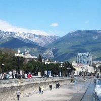 Ялта и горы :: татьяна