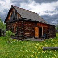 Домик в деревне :: Евгений Карский