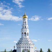 Храм в Прохоровке :: Ирина Холодная