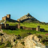 Судак. Генуэзская крепость. :: Геннадий Пынькин