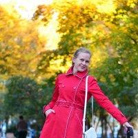 Дама с красным зонтом :: Дмитрий Боргер