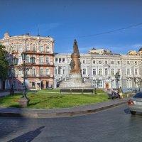 В шесть утра на Екатерининской площади... :: Вахтанг Хантадзе