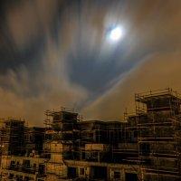 что за дом такой погружен во мрак? :: Александр Липовецкий