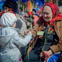 С праздником! :: Владимир Клюнк
