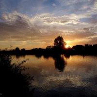 Солнышко садится... :: Антонина Гугаева