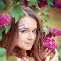 Наташа и сирень :: Roman Sergeev