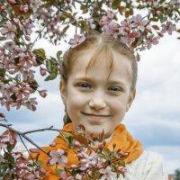 Яблоня :: Lidiya Gaskarova