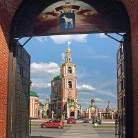 Из кремлевских ворот. Йошкар-Ола :: MILAV V