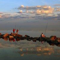 Вечерняя рыбалка :: Нилла Шарафан