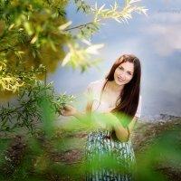 Ксения у пруда :: Дарья Дядькина