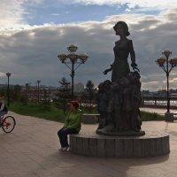 На Нижней набережной Ангары.... :: Александр Попов