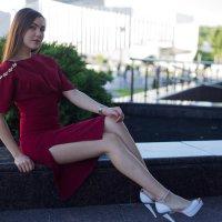 Девушка позирует :: Роман Мишур