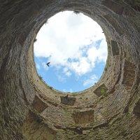 Эта башня хранит память о многих сражениях. :: bajguz igor